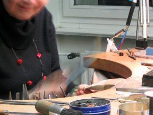 Bettina Meyer macht Schmuck - Werkstatt